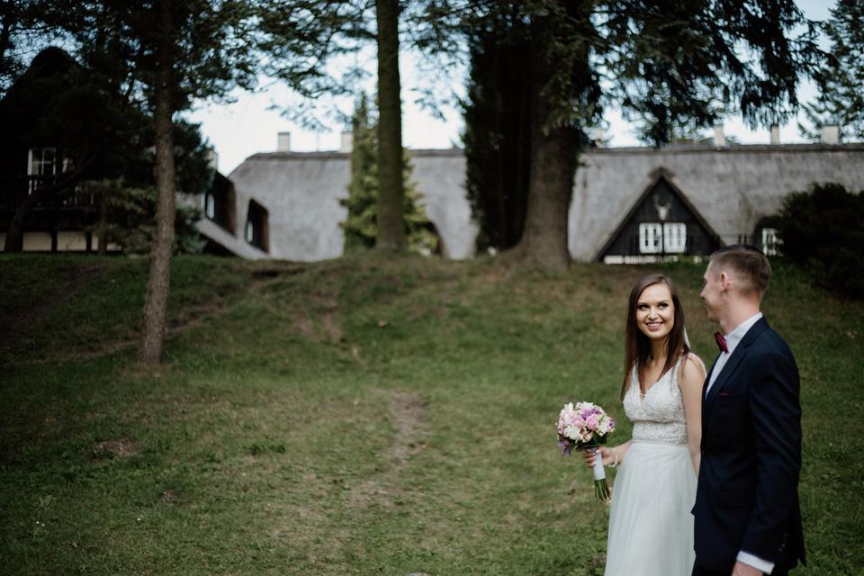 sesja ślubna nad jeziorem Warmia i Mazury