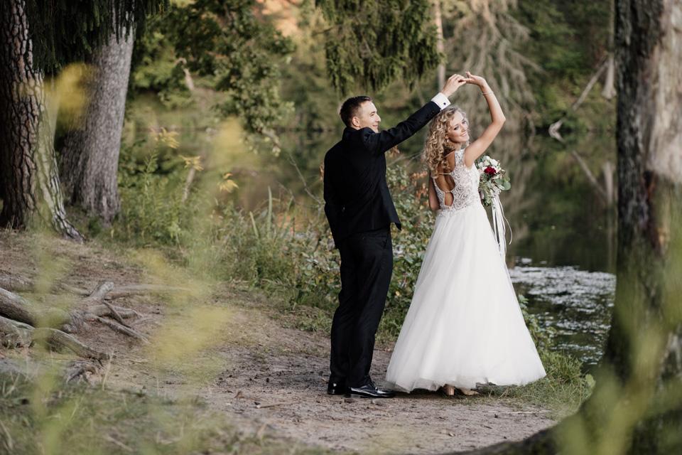 naturalna fotografia ślubna i filmowanie Olsztyn