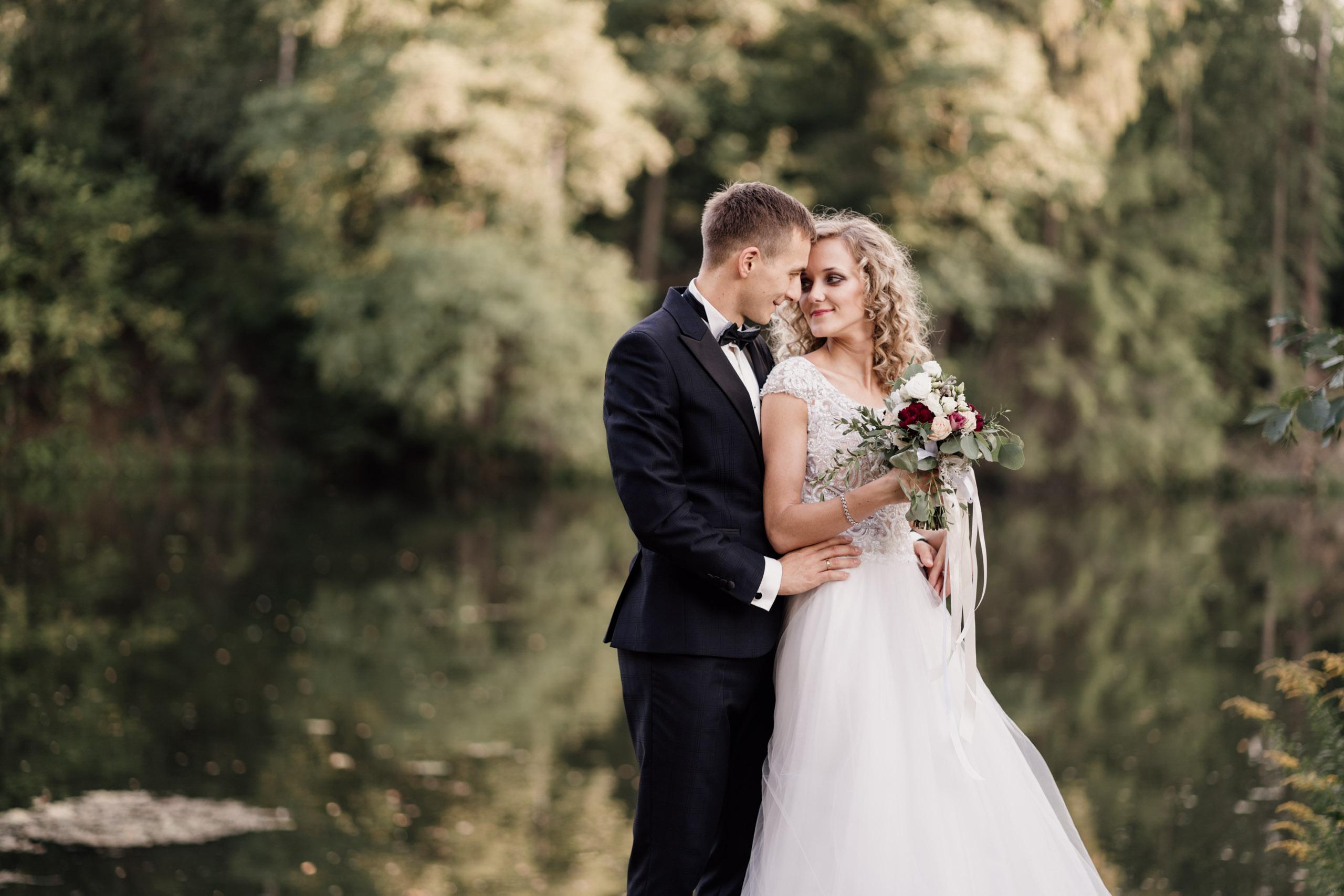 Magda & Maks – Sesja ślubna nad rzeką