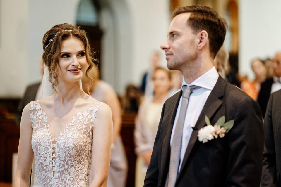ślub w kościele świętego Józefa- portret pary młodej