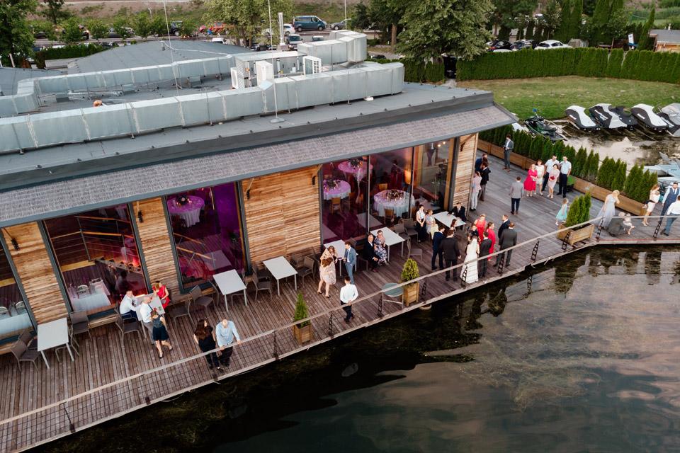 restauracja Przystań- widok na taras z drona