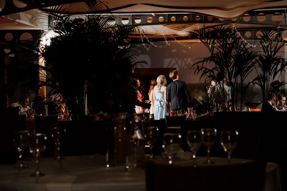 restauracja Przystań  klimatyczne zdjęcia weselne