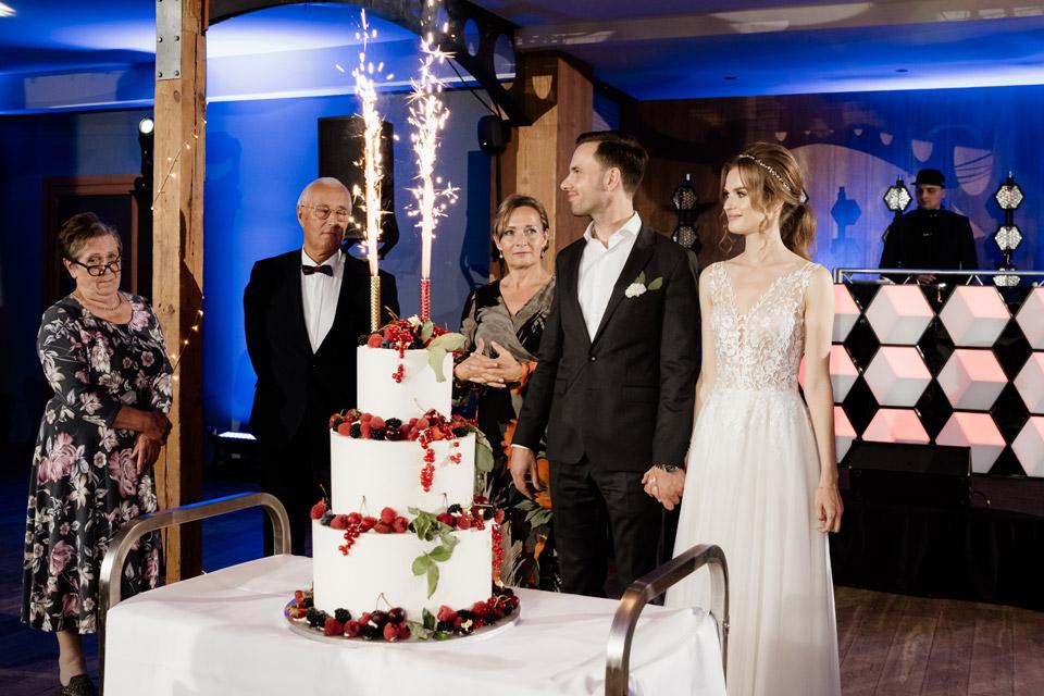 restauracja Przystań w Olsztynie- tort weselny