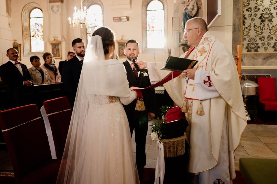 przysięga pary młodej w kościele