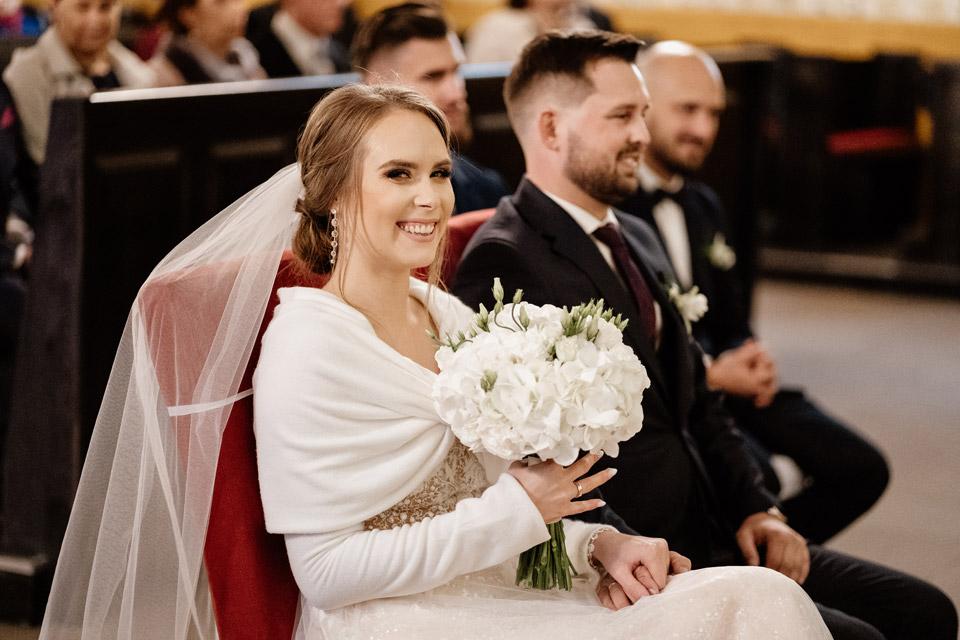 okrycie dla panny młodej- ślub w październiku