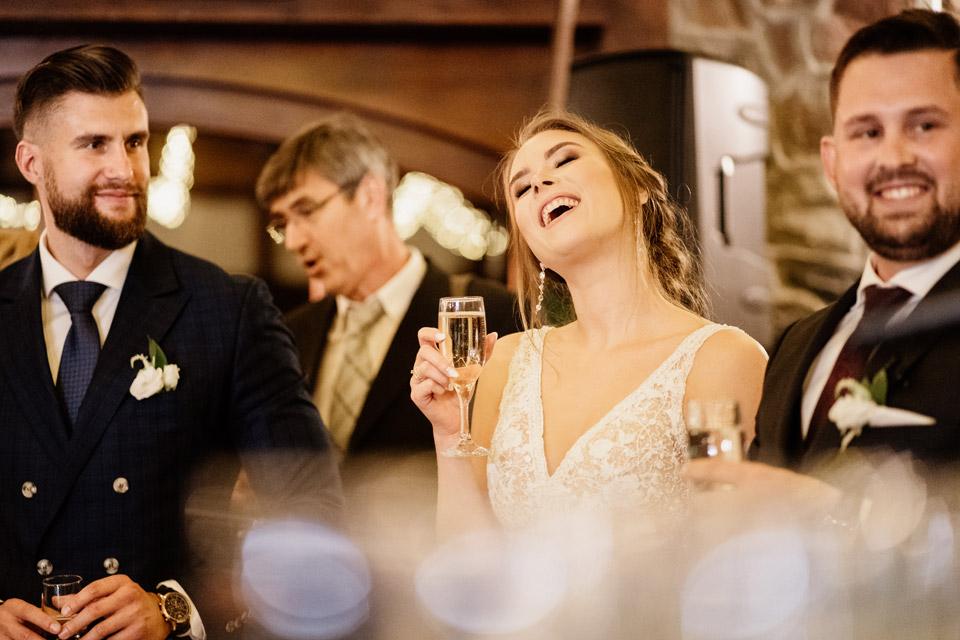 pierwszy toast na weselu