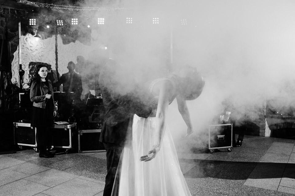 kreatywne zdjęcia z pierwszego tańca