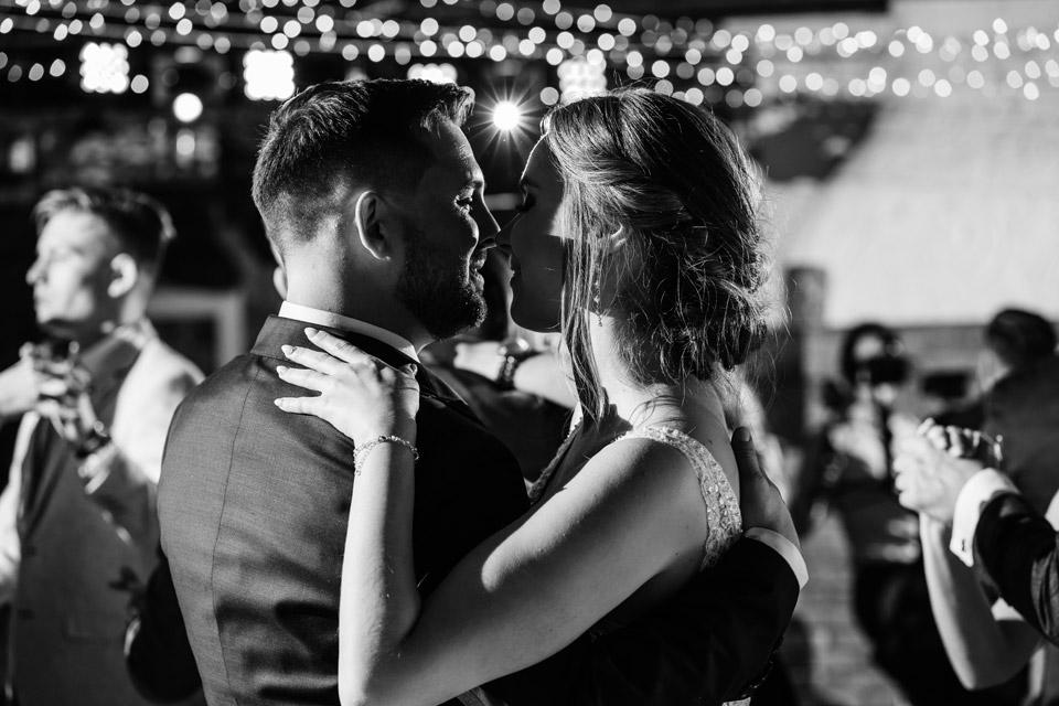 czarno biała fotografia weselna