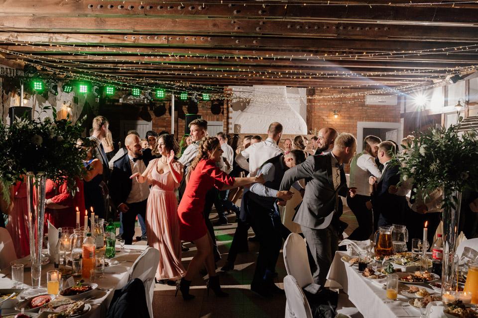 kreowanie światłem na weselu- najlepszy fotograf
