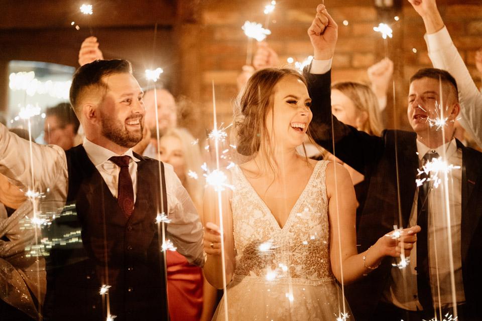 najlepsze atrakcje weselne- zimne ognie